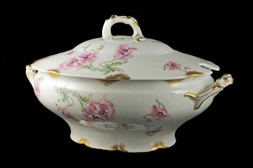 How Do You Identify Limoges China Patterns