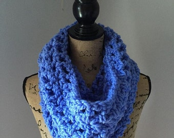 Chunky cowl in the color rapid