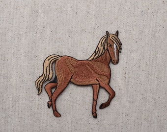 Tan Horse - Facing Right - Iron on Applique - Embroidered Patch - 695879AR