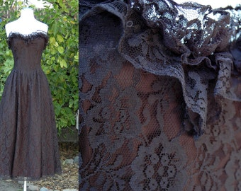 1970s 1980s Contempo Casuals Strapless Black Lace Witchy Prom Dress // 70s 80s Dress with Ruffled Sweetheart Neckline and Full Skirt