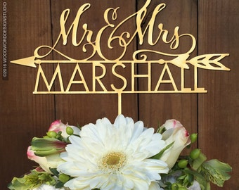 Mr & Mrs Custom Cake Topper with Arrow, Cake Topper, Rustic Cake Topper. Wedding Cake topper. Custom Cake Topper. Rustic wedding decor.