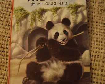 The Zoo. A Vintage Ladybird Book. Series 563.
