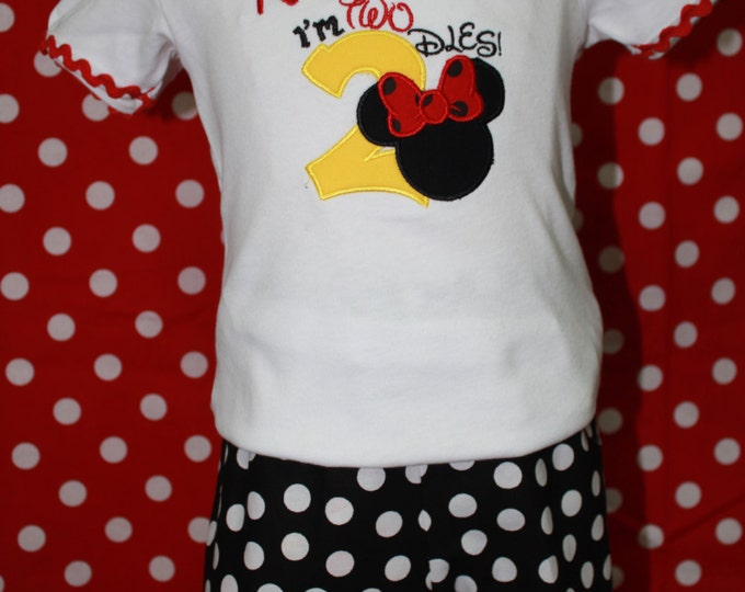 Minnie Mouse inspired birthday outfit, Girls 2nd birthday outfit, personalized shirt, I'm Twodles, Black polka dot ruffle shorts