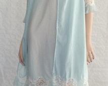 Ensemble / robe & Nightgown / Schiesser / light blue / semi-transparent / tip / flounces / pleated / vintage / 1960s / size: M - L