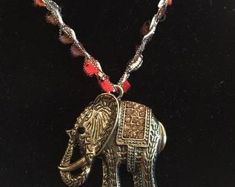 EleLoopz elephant pendant necklace