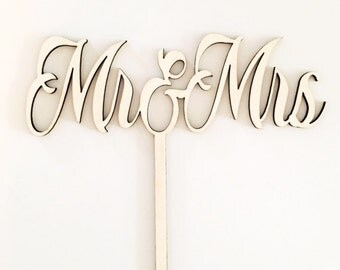 Mr and Mrs Cake Topper - Wedding Cake Topper - Wedding Decor - Wedding Details -
