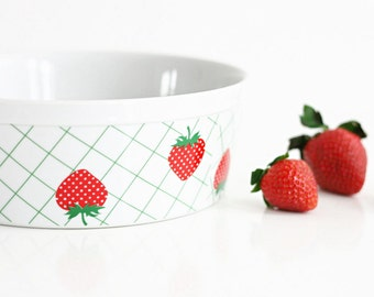 Vintage Strawberry Trellis Soufflé Dish / Retro Strawberries Ceramic Bowl