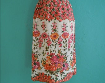 70's painted floral skirt // knee length floral printed skirt ~ small medium