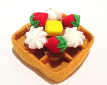 Felt food waffle set (strawberry), felt waffle set, eco friendly felt play food for children's toy kitchen