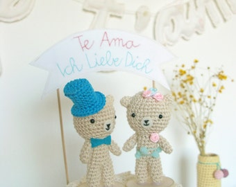 Woodland Cake Topper with Crochet Bear Bride and Groom Wedding Cake Topper Figurines and Embroidery Banner Te Amo and Ich Liebe Dich