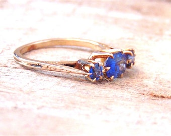 Vintage Blue Sapphire Ring in 14K Yellow Gold, September Birthstone