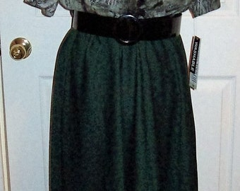 Vintage Ladies Green Print Dress by Julian Taylor Size 18 NOS Only 11 USD