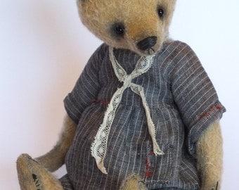 LIZZIE A Mohair Artist Bear 11 inches