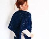 Triangle shawl, chunky shawl, asymetrical shawl, loose knit scarf, chunky scarf in blue, vegan friendly, ready to ship
