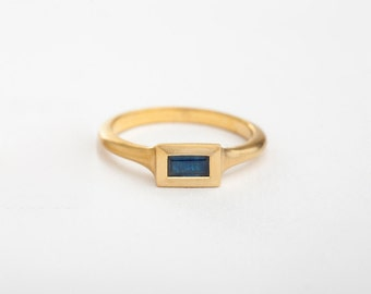Geometric Engagement Ring, Sapphire Solitaire Ring, Saphire Stack Ring, Yellow Gold Sapphire Ring, Baguette Ring Engagement 18k Saphire