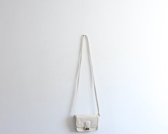 Minimal White Leather 90s Crossbody Bag