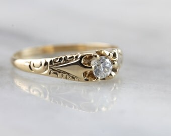 1800's Elegance: Antique Diamond and Gold Engagement Ring  F9WULV-P