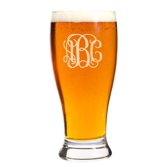 Engraved Wedding Beer Glasses : ... Wedding Groomsman Gift, Personalized Glasses with Monogram, Beer Mugs