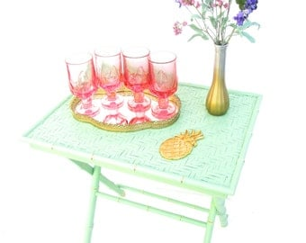 Vintage Chinoiserie Jade Green & Gold Faux Bamboo X-Form Tray Table || Hollywood Regency Collapsible Occasional Table