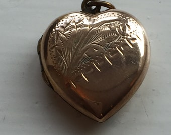 9ct Back and Front Locket