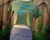 shiny SHAPES green crop top / upcycled hand stenciled abstract cropped tee size small S