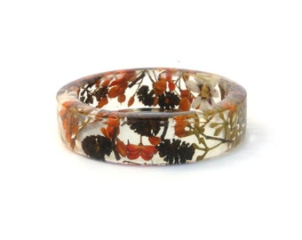 Daisy Resin bangle bracelet.Real Flower bangle. Australian wildflowers. Botanical jewellery. Forest jewellery. Resin Bangle Bracelet.