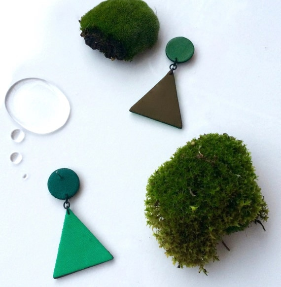 Triangle pendant leather earrings in shades of green / Geometric jewelry / Leather jewelry