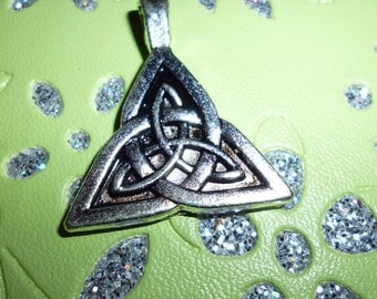 Triquetta Wicca Charms Jewellery making 28 x 25mm wicca witch celtic