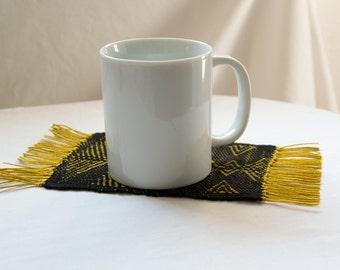 Rug Under Mug BLACK - GOLD