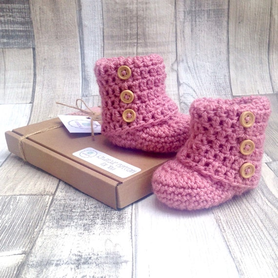 Pink baby booties, New baby booties, Pink button booties, Crochet booties, Baby shower gift, Pink baby girl, Button boots, Ugg boots, Newbor