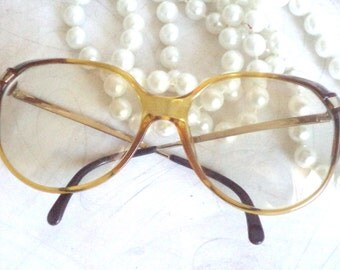 80s Viennaline round Eyeglasses Clear Amber Diva Chic Jackie O Horn Rim Vintage Acetate 56-16 Sunglasses Mod Boho chic Costume Movie Prop