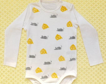 100% organic cotton bodysuit with mices and cheeses. Hand printed