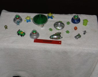 toys-mini martian spaceships-lot of 6-1990s-GD
