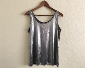 vintage metallic tank top / silver / sleeveless / lighteweight / modern / minimalist / 90s / s / small