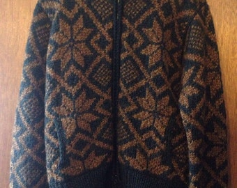 Size Large heavy hand-knit super warm woolen cardigan sweater with snowflake pattern