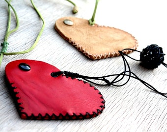 Red heart hanging wallet