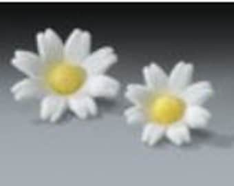 Pastillage Daisies - White Pre-Made Ready To Use Cake / Cupcake Gum Paste Decorations