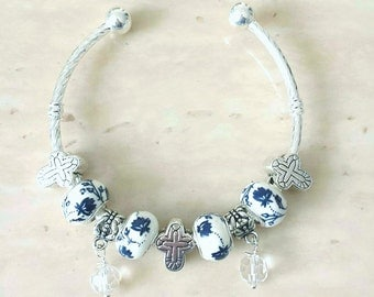 Cross Charm Glass Dangle Ceramic Beads Silver Plated Lined Bangle Bracelet 7.5 Inches