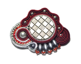 Soutache brooch, spilla soutache, red silver brooch, elegante Brosche, Christmas gift, bridesmaid gift, soutache accessories, embroidered
