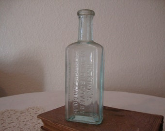 """Antique 1890's """"Dr. King's NEW DISCOVERY For Coughs And Colds"""" aqua glass Victorian Apothecary Bottle QUACK Cure Remedy Medicine stem vase"""