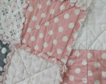 Pink/Gray Throw Rag Quilt