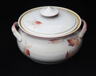 Handcrafted Denby Stoneware Lidded Casserole Dish in the Twilight Pattern (4 pint) Excellent