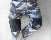 SALE Baby boy leggings/ Toddler boy leggings/ Chevron leggings/ Baby boy joggers/ Knee patch/ Rad/ Hipster boy/ Monochrome leggings/