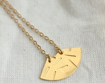 Necklace Kwan Golden fine gold