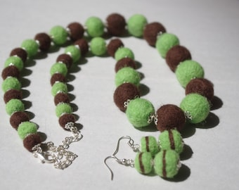 Green and brown wool necklace and earrings