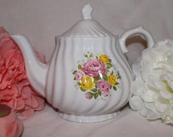 Ceramic roses floral teapot