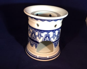 Ceramic Blue and White Luminary