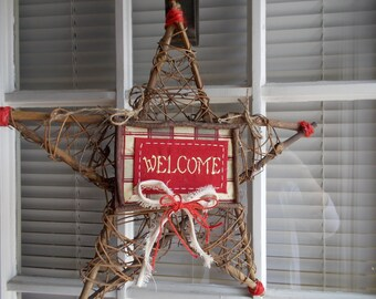 Country Rustic Americana Christmas Welcome Star Grapevine Wreath Door Decoration Red