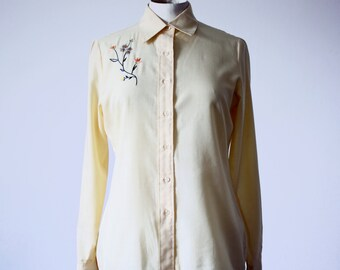 Shirt vintage yellow with floral motifs hand-embroidered