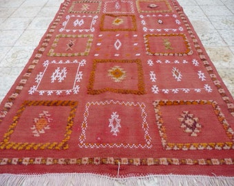 Gorgeous vintage Glaoui rug